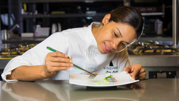 Psicosoft - En el Club Allard con la famosa chef María Marte